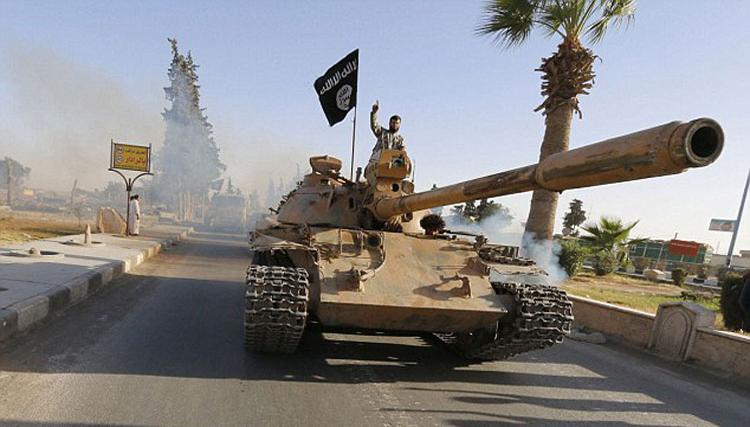 داعش-داعش يحارب أعداءه على جبهات مختلفة