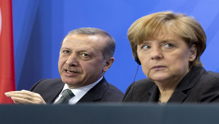 ميركل في تركيا للحد من توتر العلاقات...