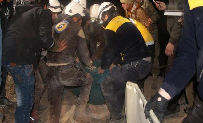 طيران روسيا و الأسد يتناوبان على قصف إدلب خلّف عشرات الضحايا وبعض العالقين تحت الأنقاض