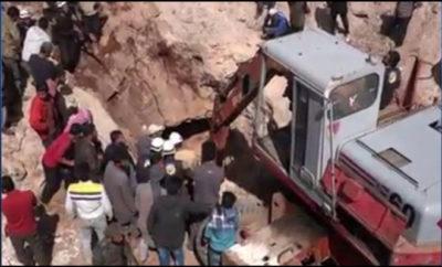 طيران الغُزاة الروس يرتكب مجزرة بحق العشرات غالبيتهم من أطفال المدارس في ريف ادلب الجنوبي