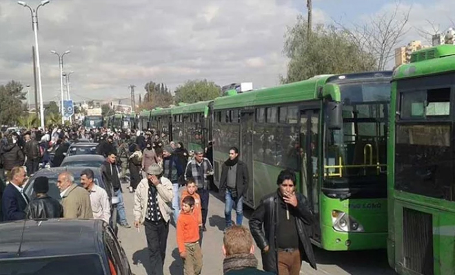 وصول 40 حافلة من مهجري حي القدم الدمشقي إلى الشمال السوري