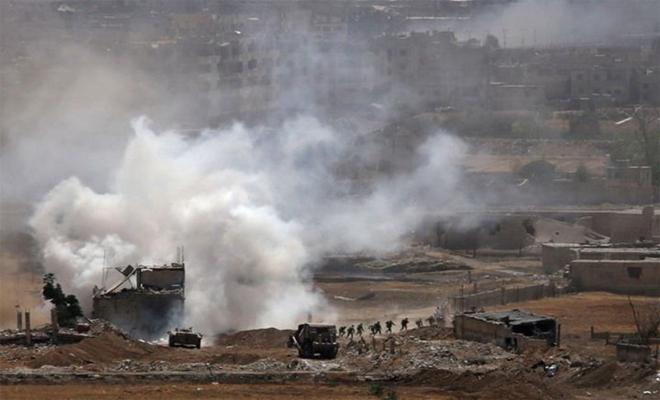 بعد التعفيش و النهب عصابات الأسد تحرق منازل الفلسطينيين في مخيم اليرموك