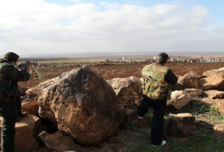 الغُزاة الروس يوجهون اتهامات للثوار وعصابات الأسد تروج لمعركة مرتقبة في إدلب