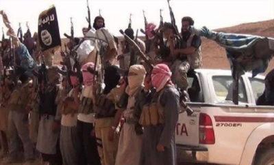 داعش يسيطر على عدة آبار للنفط بعد اشتباكات عنيفة مع ميليشيا قسد في دير الزور