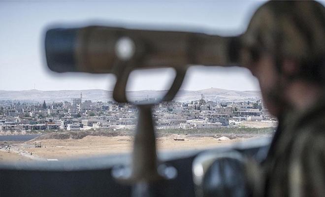 الميليشيات الكردية الإرهابية تطوّق محيط مدينة منبج بالحفر والسواتر الترابية