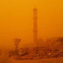 عواصف غبارية تضرب عدة مناطق في ريف دير الزور