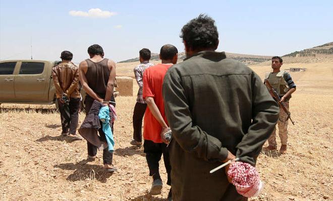 ميليشيا قسد الإرهابية تطلق سراح أسرى من داعش في الحسكة
