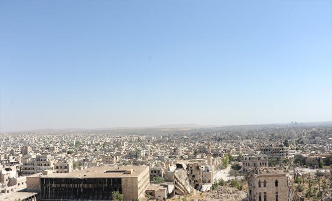 الغُزاة الروس يتهمون فصائل الثوار بإطلاق قذائف تحوي غاز الكلور السام على مدينة حلب