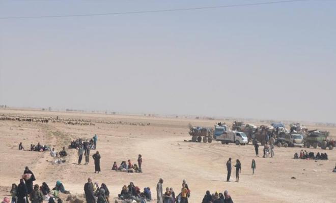 تعثر المفاوضات بين تنظيم داعش ومليشيا قسد الإرهابية بشأن إجلاء مدنيي شرق الفرات