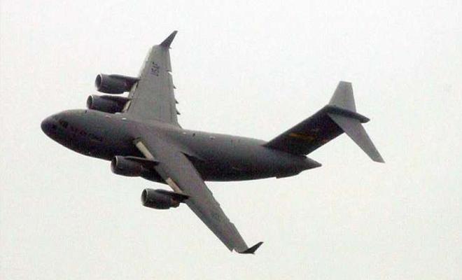 طائرة استطلاع أمريكية استراتيجية تنفذ تحليقاً قرب القاعدتين الروسيتين