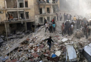وزارة دفاع الغُزاة الروس تنفي شنها ضربات جوية على منطقة خفض التصعيد في إدلب