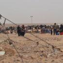 خروج قافلة من مخيم الركبان إلى مناطق سيطرة عصابات الأسد