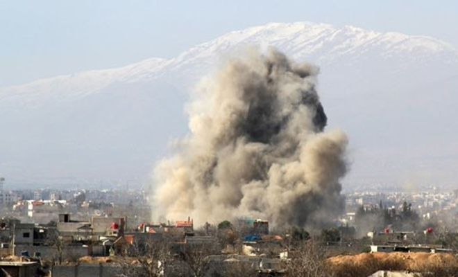 طائرات الإجرام الأسدي الحربية تواصل قصفها لريف إدلب وتوقع شهداء و جرحى