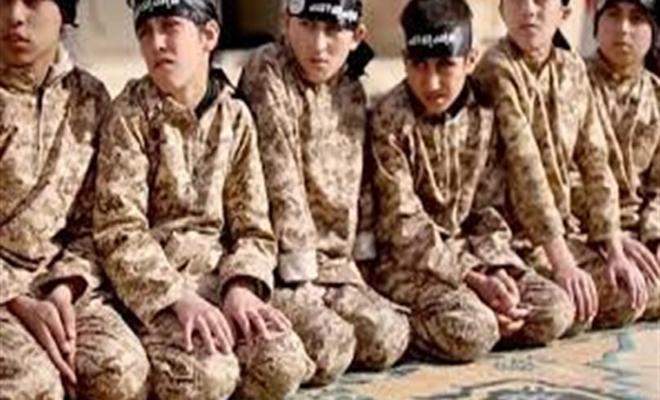 """ميليشيا """"ب ي د"""" الإرهابية تسلّم السلطات الفرنسية 12 طفل من أُسر داعش"""