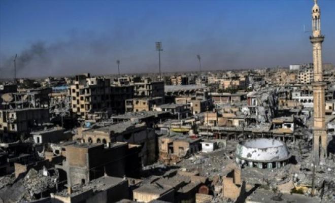 جرحى لعناصر المليشيات الكردية الإرهابية بانفجارين منفصلين في مدينتي الطبقة والرقة
